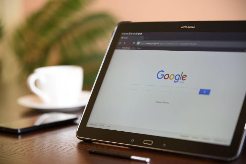Googleに誹謗中傷の削除依頼する手順!検索結果から削除する方法
